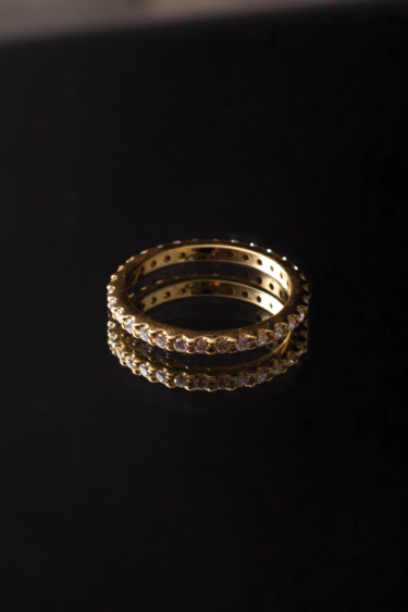GOLD OMICRONN RING WHIT WHITE DIOMONDS