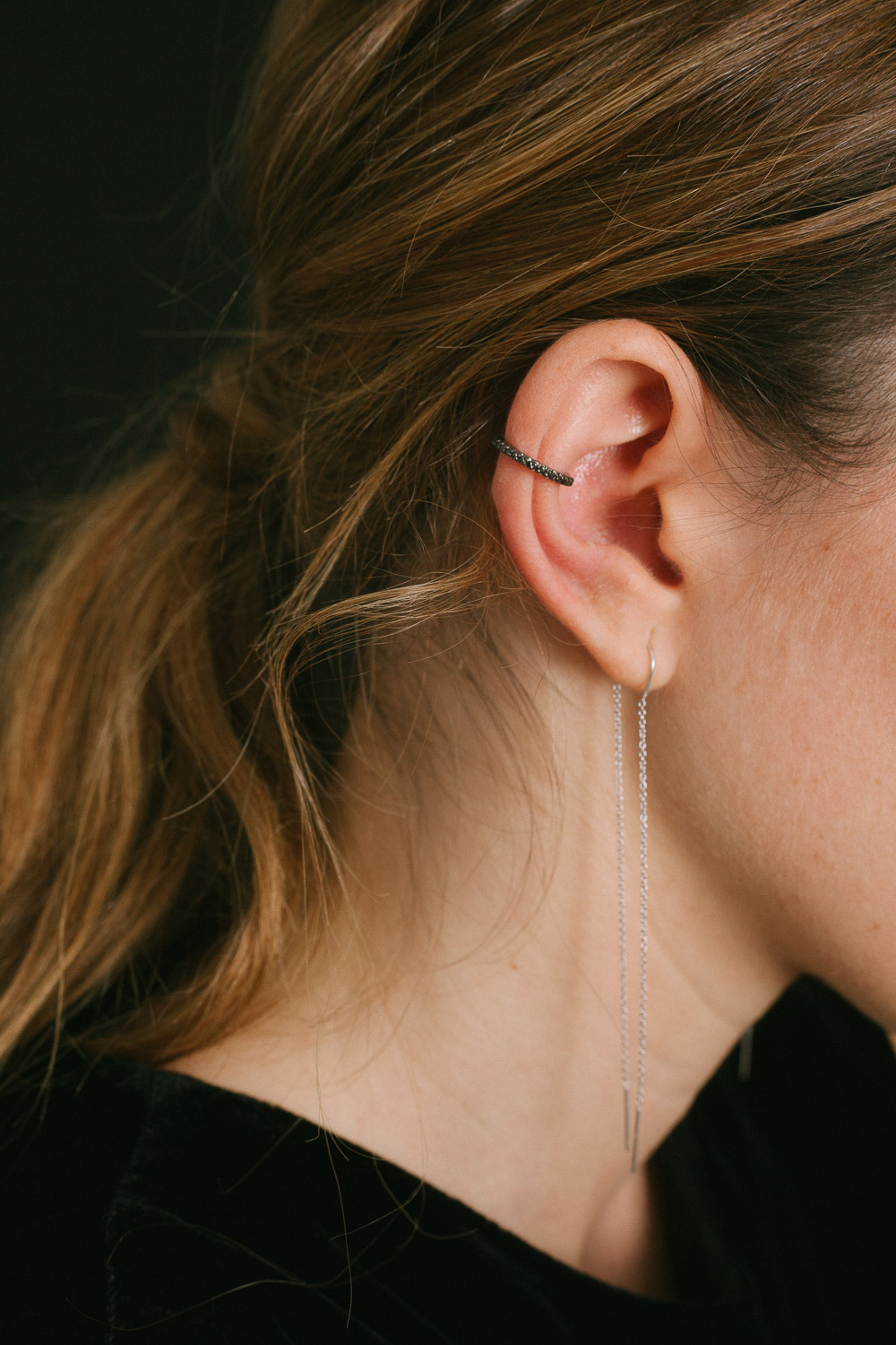 IPSILON EARCUFF IN BLACK RHODIUM & BLACK DIAMONDS
